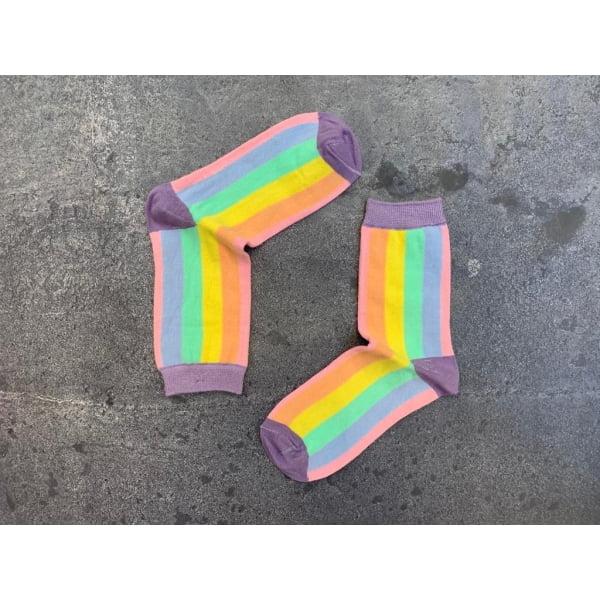 Açık renkli Dik Çizgili Çorap
