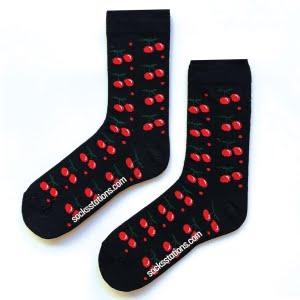 Siyah kirazlı renkli desenli çorap
