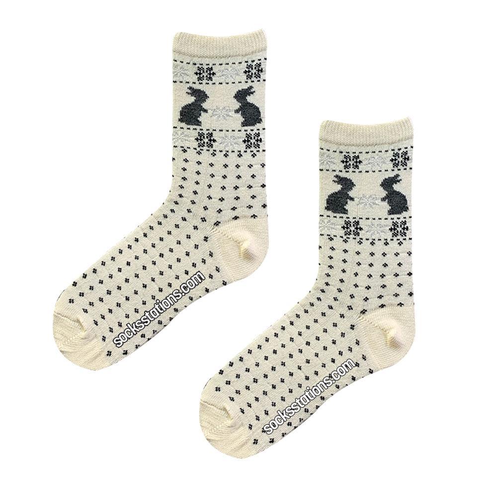 Tavşanlı beyaz yün çorap