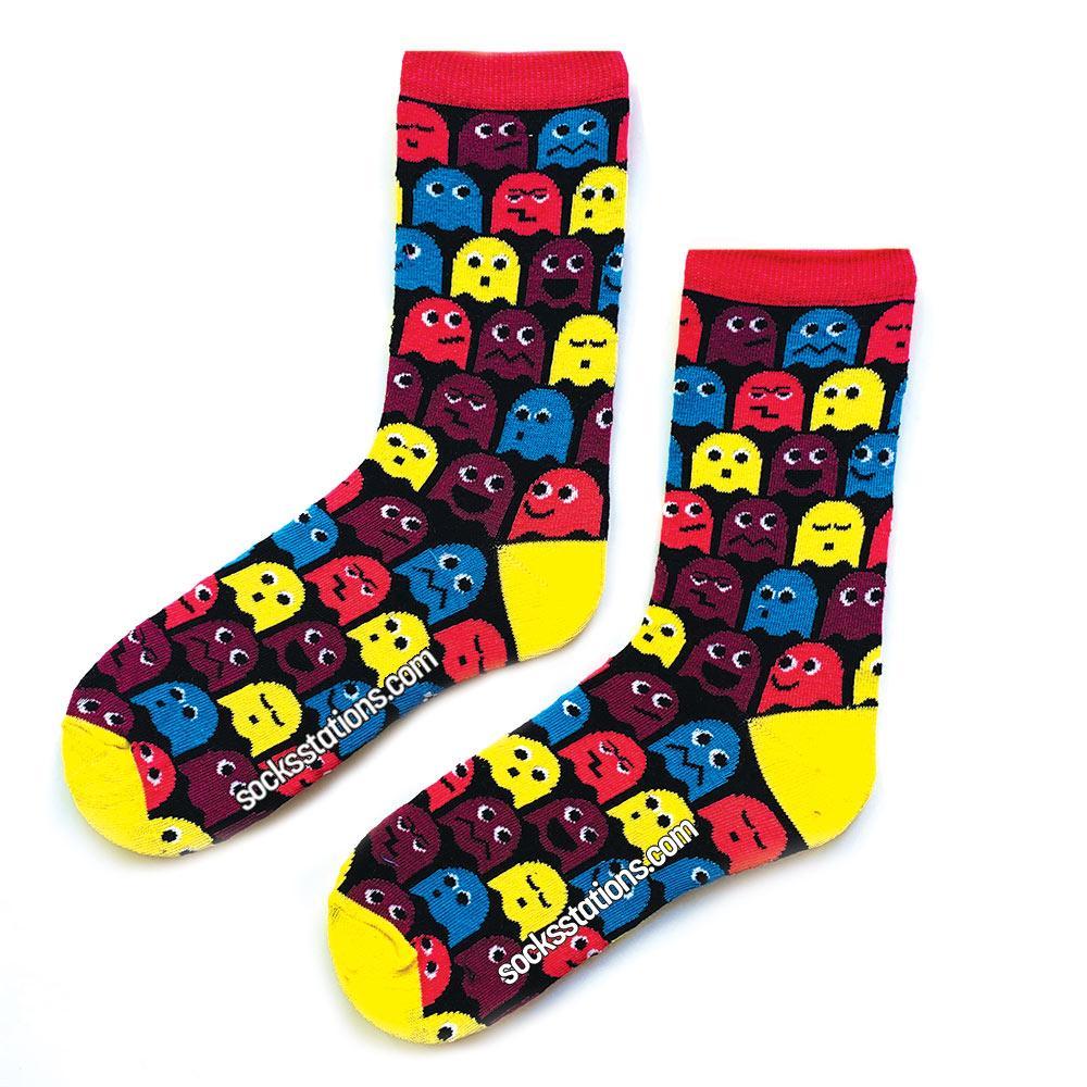 Renkli pacman siyah çorap