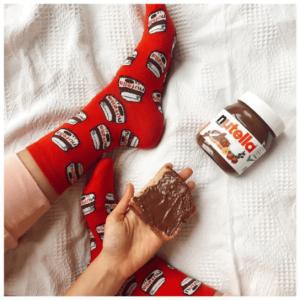 kırmızı nutella desenli tasarım çorap