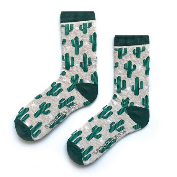 Yeşil Kaktüs Desenli Beyaz Çorap