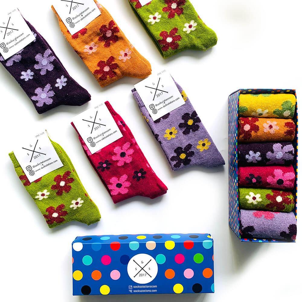 6'lı çiçek desenli yün çorap kutusu
