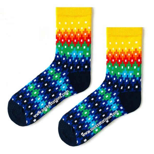Renkli Kare Basamaklı Desenli Çorap