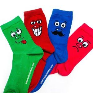 4'lü Renkli Suratlar Desenli Çorap