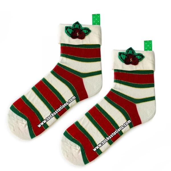 Askılı Beyaz Kırmızı Çorap