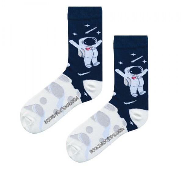 astronot uzay desenli çorap