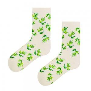 Beyaz Yaprak Desenli Çorap