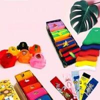 'socks' box olarak satış yapılan ürünlerin kutulu bir biçimce gösterilmesi